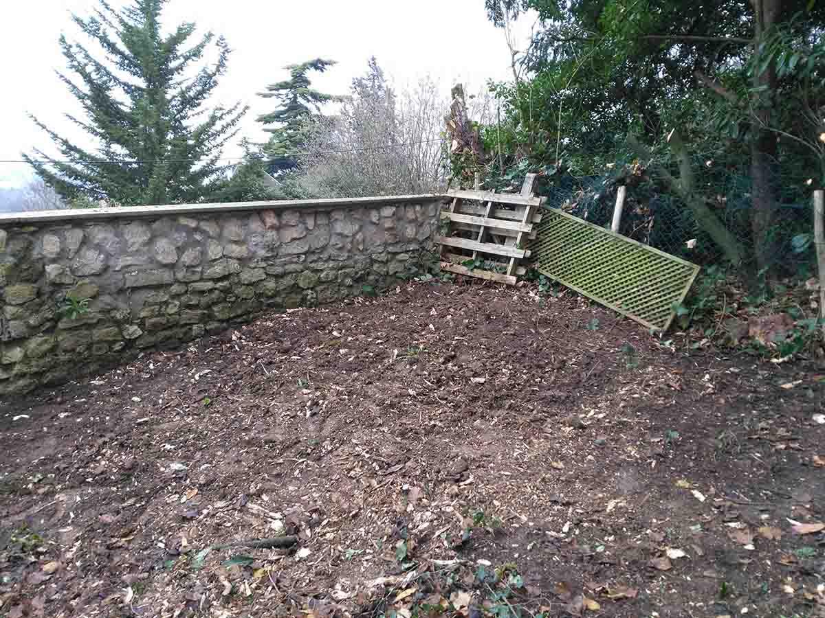 Le muret va être le repère pour fixer lez niveau de la terrasse
